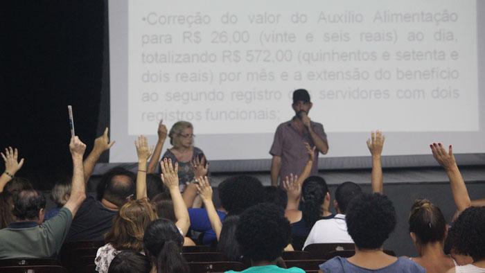 Foto da votação na assembleia