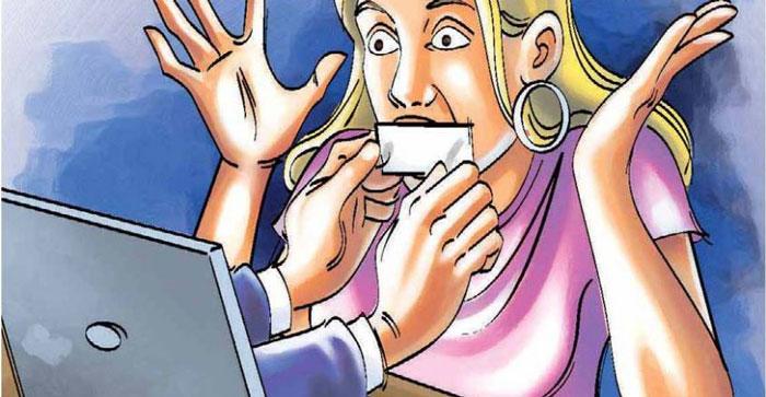 Ilustração na qual mão de um computador saem da tela e fecham a boca de uma internauta