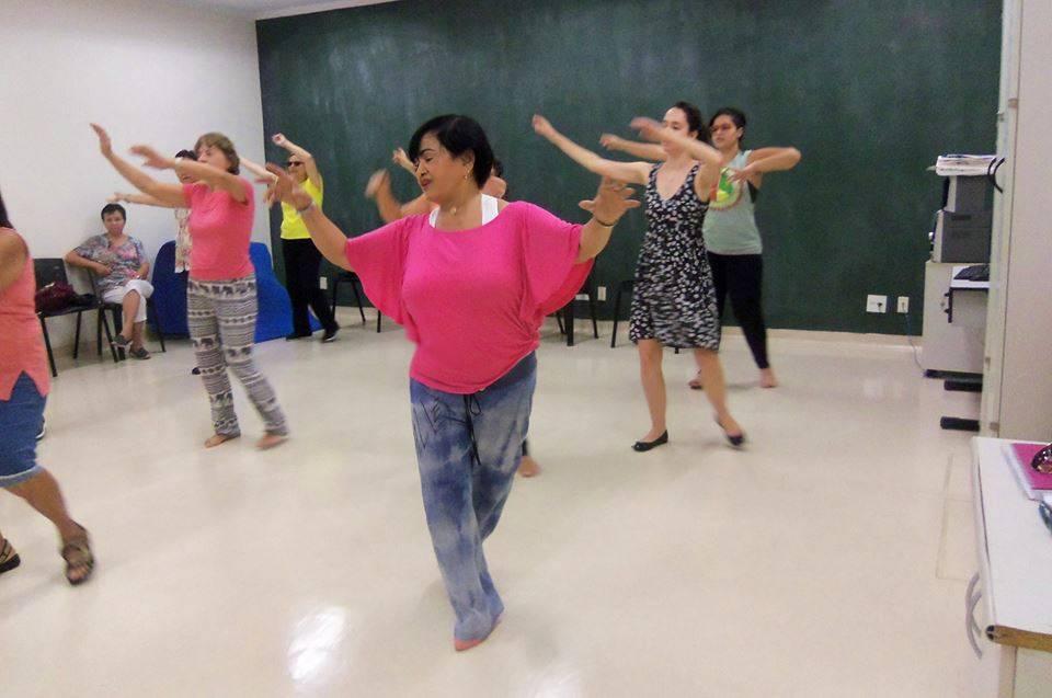 """Oficina """"Dança circular"""" - Laboratório de Sensibilidades - UNIFESP"""