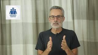 Retrato do vídeo em que o diretor Flavio Saraiva dá o recado